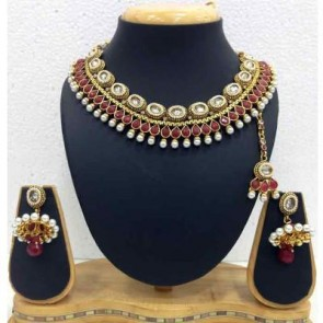 moKanc Dazzling Kundan Alloy Jewel Set